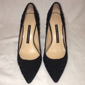 Classy French Connection Black Heels w pointed toe